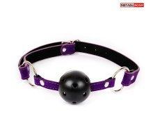 Черно-фиолетовый пластиковый кляп-шарик с отверстиями Ball Gag